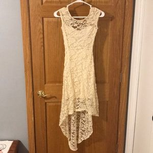 Beautiful junior sleeveless lace dress